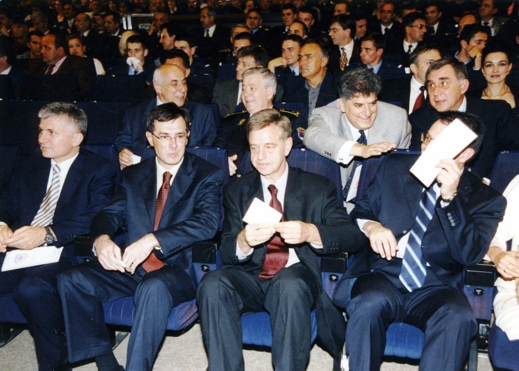 Poslava MUP-a Srbije, Premijer Zoran Đinđić, direktor BIA-e Goran Petrović, Predsednik Skupštine Dragan Maršićanin, potpredsednik Vlade Srbije Nebojša Čović