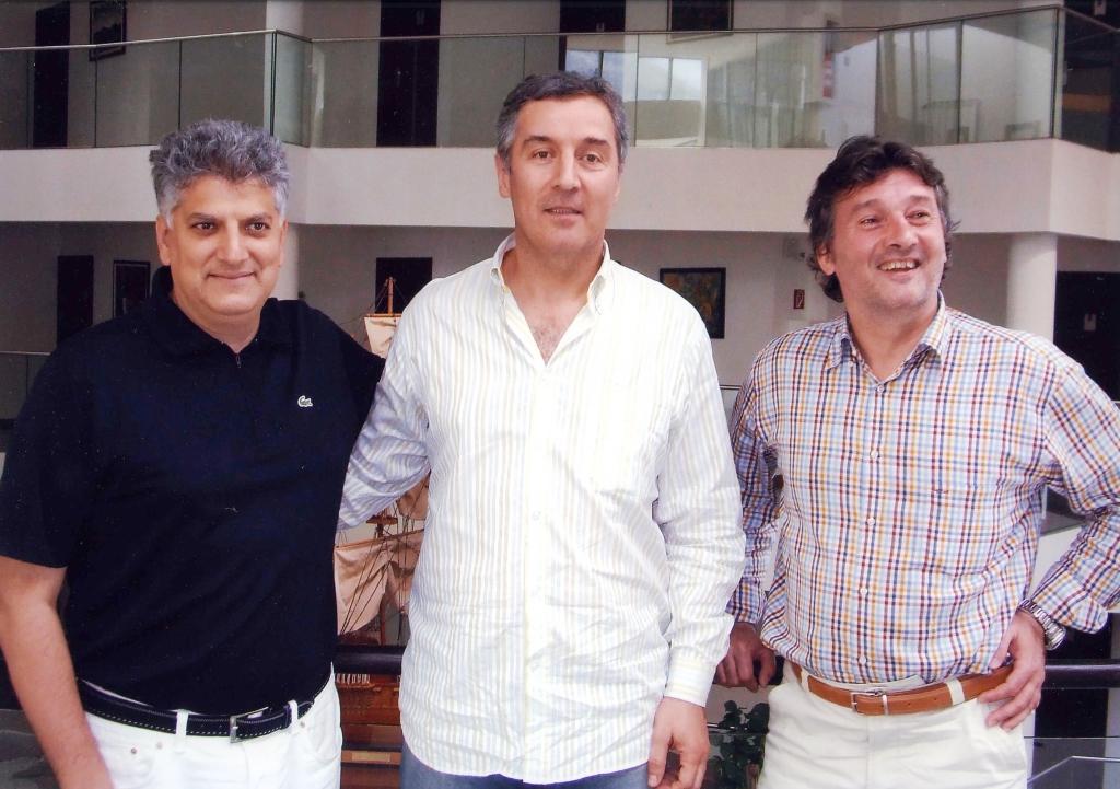 Sa prijateljem Milom Djukanovićem