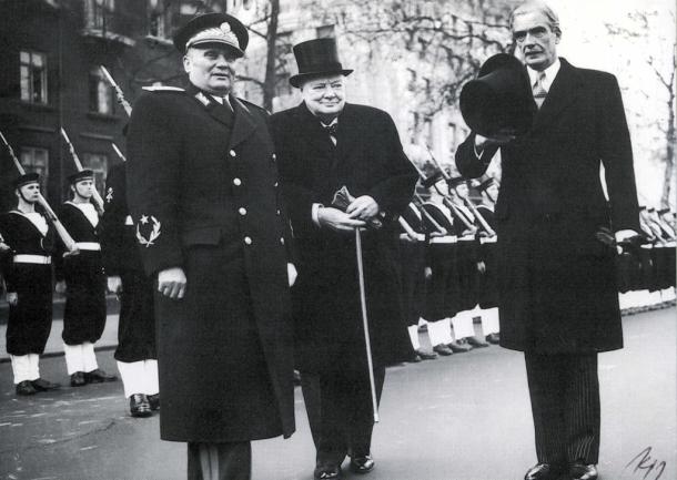 Britanski Ambasador Kraford, Pozivnica, Farewell Nostalgia Party