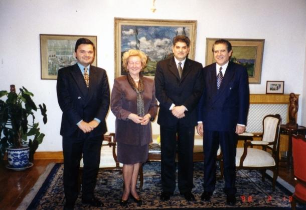 Prijem u ambasadi SRJ u Kini, ambasador Slobodan Unković, potpredsednik Nove demokratije Radivoj Lazarević